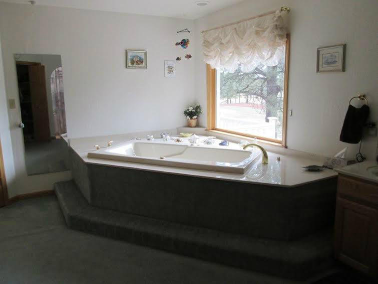 360 s golden master bath